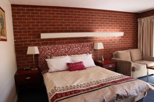 Carnegie Motor Inn and Serviced Apartments - Accommodation Mooloolaba