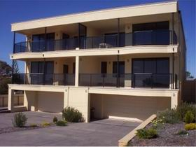 The Lighthouse Accommodation - Accommodation Mooloolaba