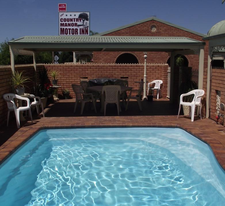 Country Manor Motor Inn - Accommodation Mooloolaba