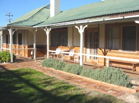 Gundagai Historic Cottages Bed and Breakfast - Accommodation Mooloolaba