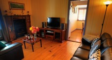 Apple Blossom Cottage - Accommodation Mooloolaba