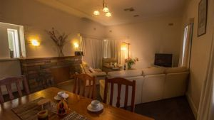 Benson House and Benson Lodge - Accommodation Mooloolaba