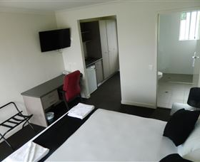 Dooleys Tavern and Motel Springsure - Accommodation Mooloolaba