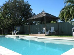 Golden Chain Wine Village Motor Inn - Accommodation Mooloolaba