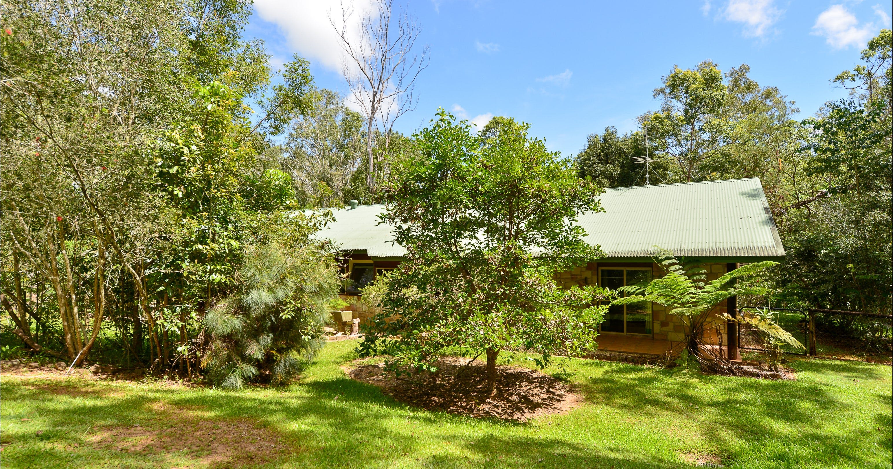 Bushland Cottages and Lodge Yungaburra - Accommodation Mooloolaba