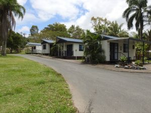 Tropicana Caravan Park Sarina - Accommodation Mooloolaba
