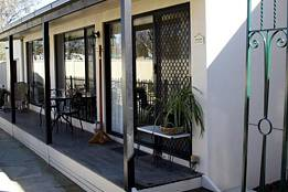 Courtside Cottage Bed and Breakfast - Accommodation Mooloolaba