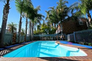 Cattlemans Country Motor Inn  Serviced Apartments - Accommodation Mooloolaba