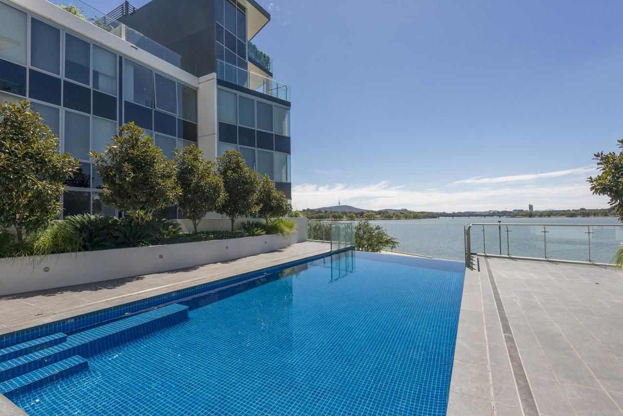 Accommodate Canberra - Lakefront - Accommodation Mooloolaba