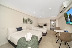 Carlton Suites - Accommodation Mooloolaba