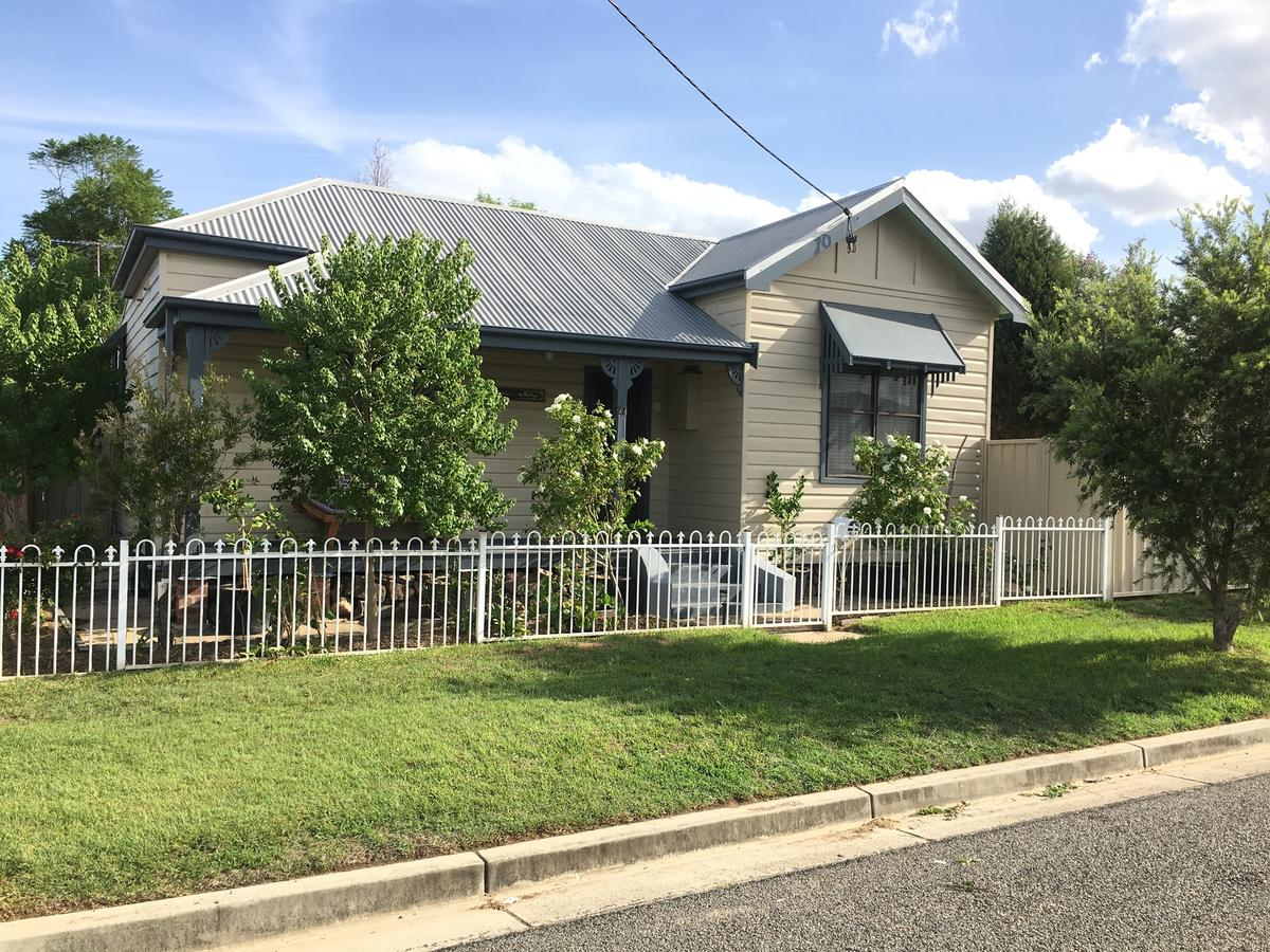 Caledonia Cottage - Accommodation Mooloolaba