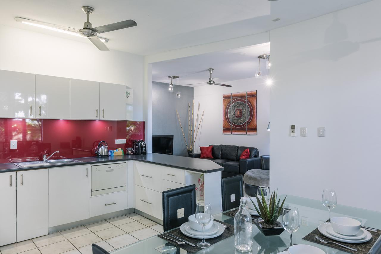 CitySide Apartment - 2 Bedroom with Private Courtyard - Accommodation Mooloolaba