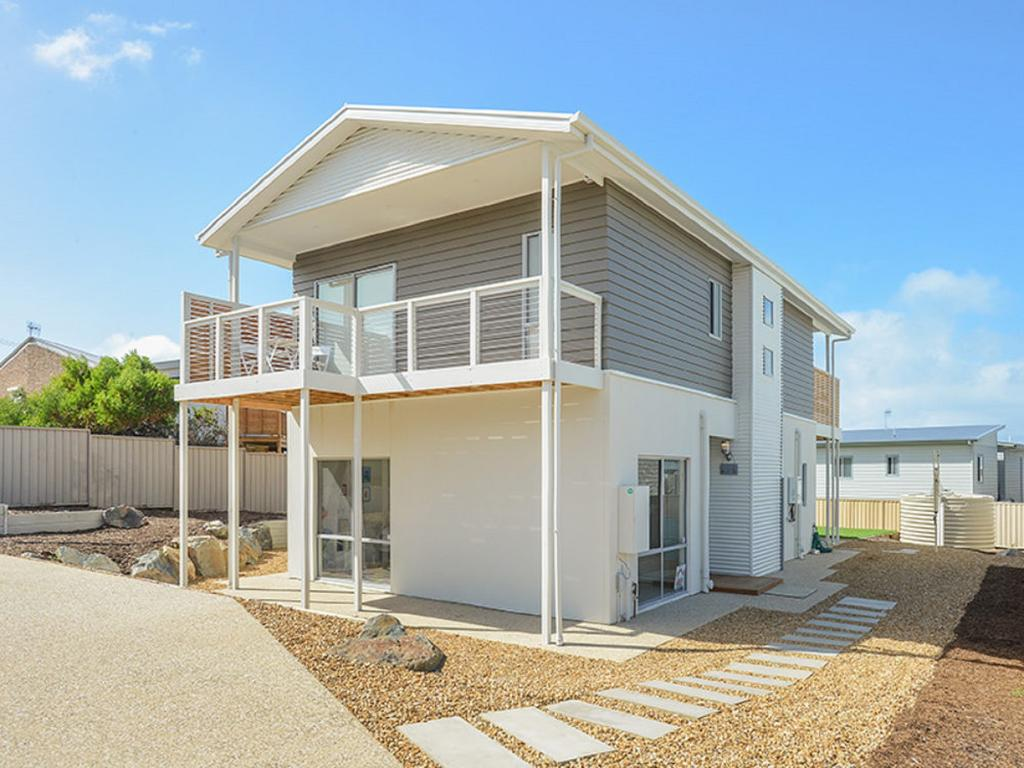 Boomer Beach Retreat - Pet-Friendly - WiFi - Accommodation Mooloolaba