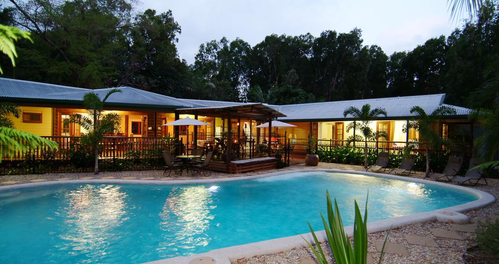 calypso corner. - Accommodation Mooloolaba