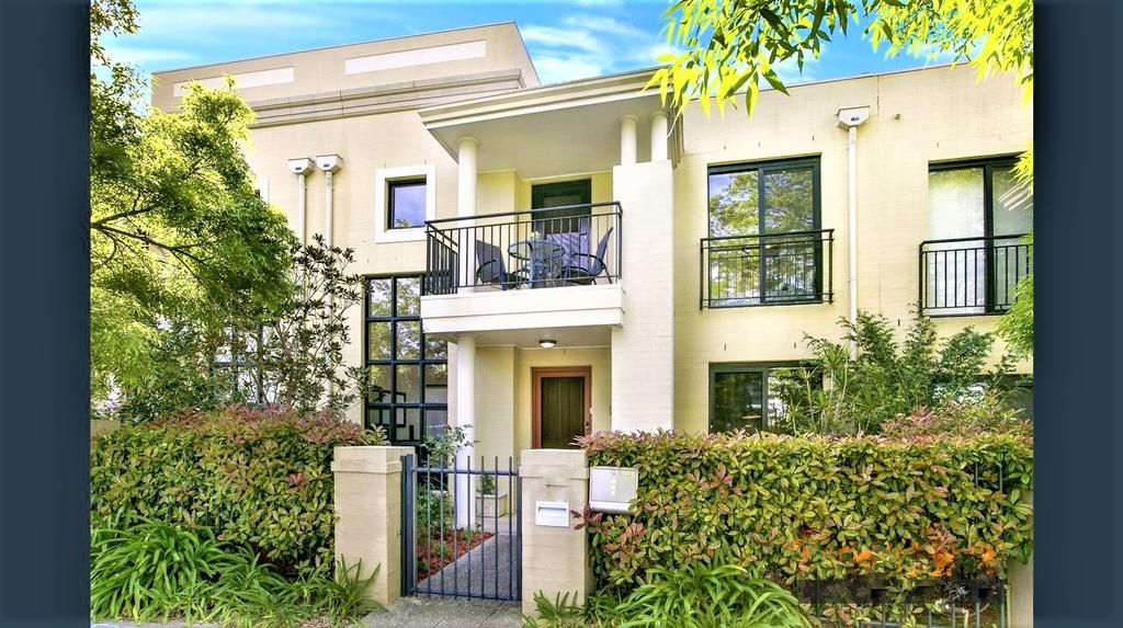 Campbelltown Most Sought After Park Central Home - Accommodation Mooloolaba