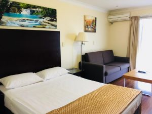Centenary Motor Inn - Accommodation Mooloolaba