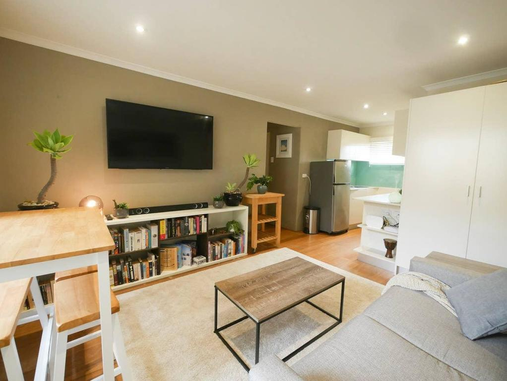Chic Pet Friendly  500m to the Beach w/ parking - Accommodation Mooloolaba