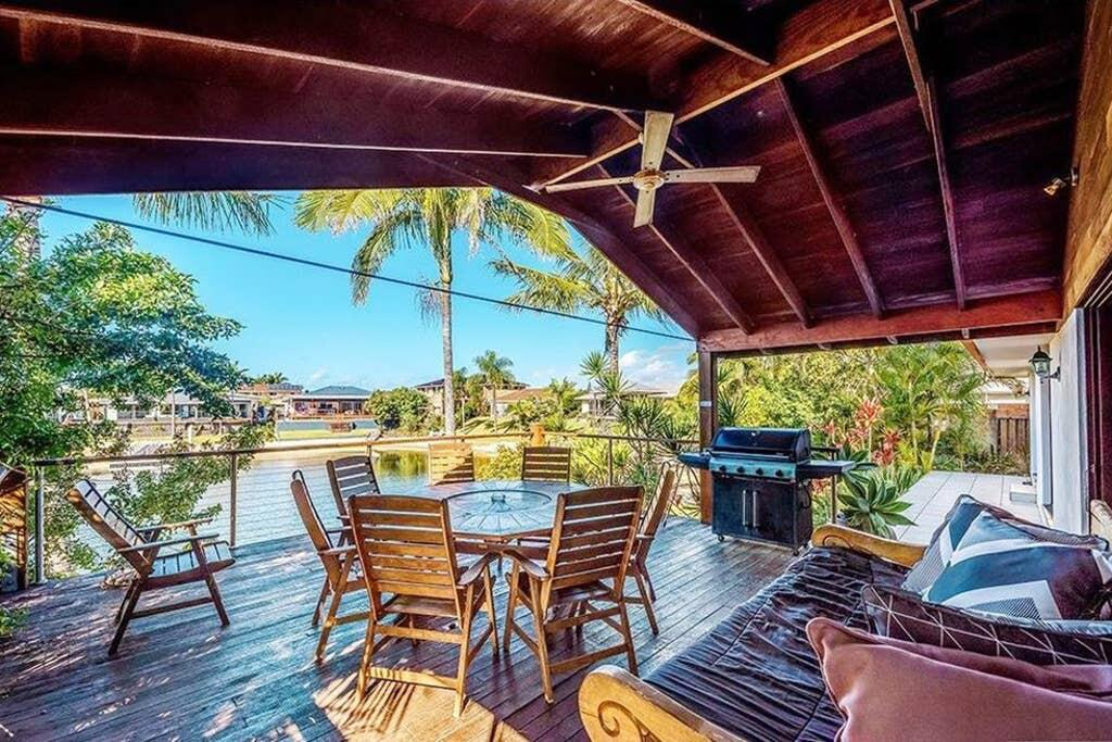 Coconut Grove Holiday House - Accommodation Mooloolaba