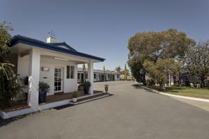 Colonial Motel  Apartments - Accommodation Mooloolaba