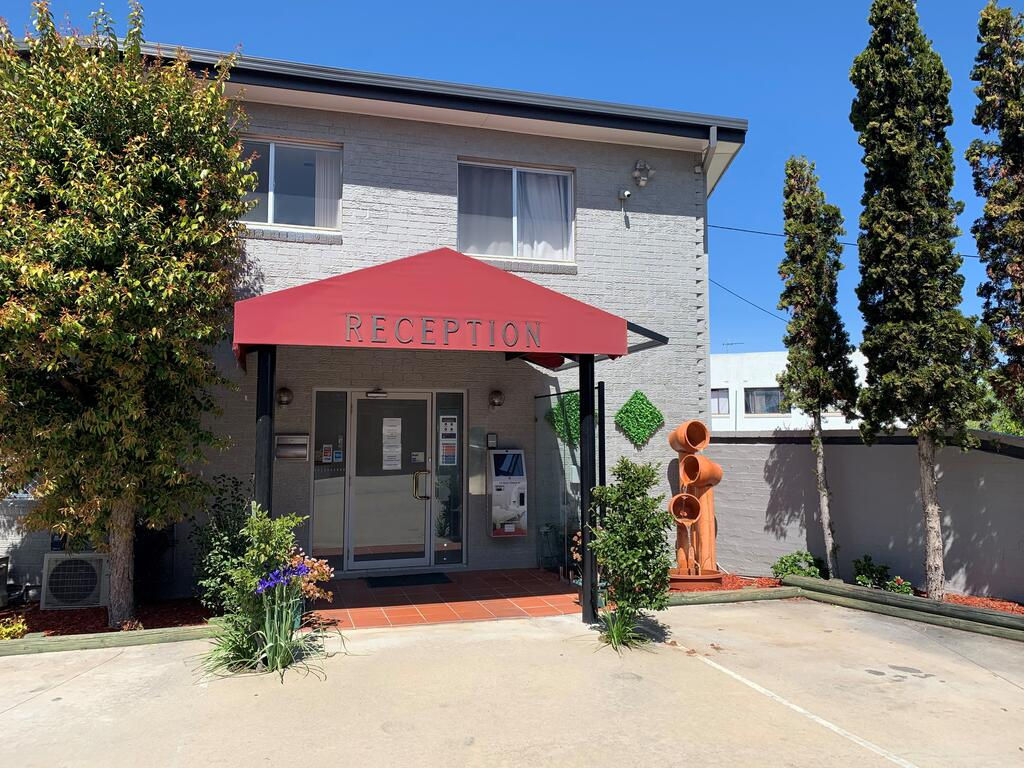Crest Motor Inn - Accommodation Mooloolaba