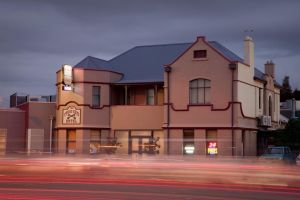 Cross Keys Hotel - Accommodation Mooloolaba