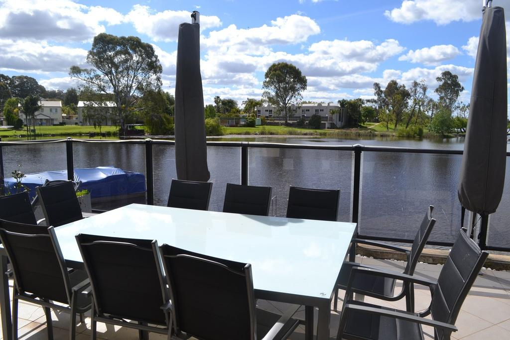 Cypress Drive Town House - Accommodation Mooloolaba