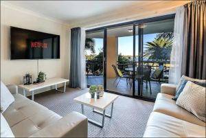 Gold Coast Apartment At Sandcastles On Broadwater - Accommodation Mooloolaba