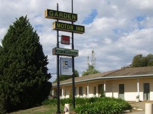 Golden Chain Garden Motor Inn Gundagai - Accommodation Mooloolaba