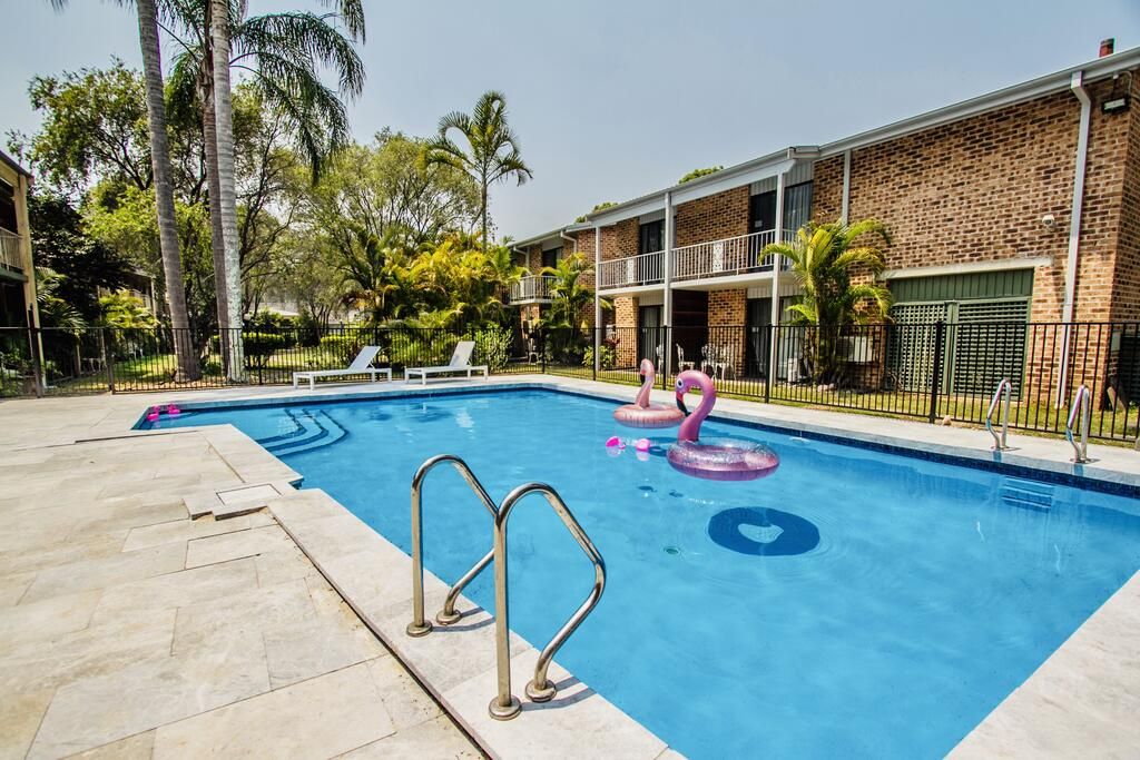 Gosford Resort and Conference Centre Previously known The Willows - Accommodation Mooloolaba