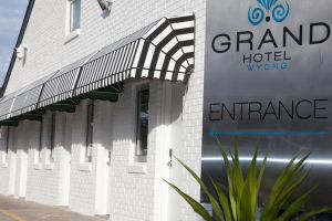 Grand Hotel and Studios - Accommodation Mooloolaba