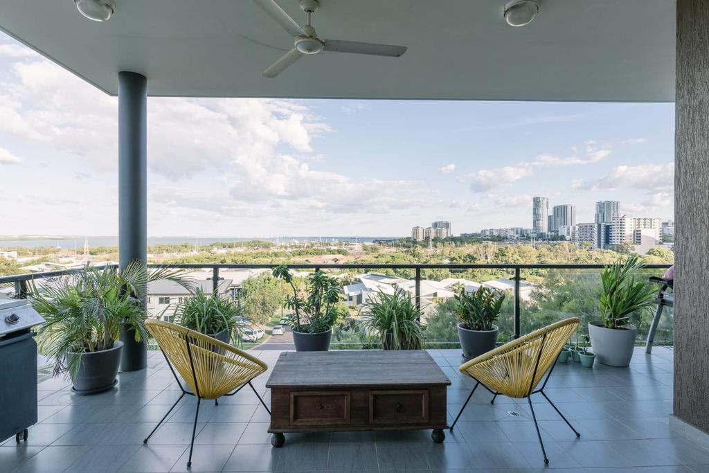 Luxury  Location - Sea Views with Modern Class  - Accommodation Mooloolaba