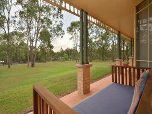 Merewether Homestead with Pool and Family friendly - Accommodation Mooloolaba