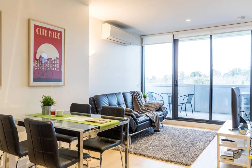 Modern 1 Bedroom Apartment In Tranquil Parklands - Accommodation Mooloolaba