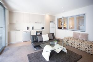 Modern Executive Apartment  Braddon 1BR Wine Wifi Secure Parking Canberra - Accommodation Mooloolaba