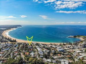 Ocean Views on Barnhill - Accommodation Mooloolaba