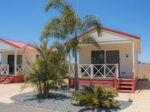 Outback Oasis Caravan Park - Accommodation Mooloolaba