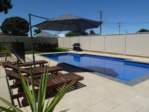 Ploughmans Motor Inn - Accommodation Mooloolaba