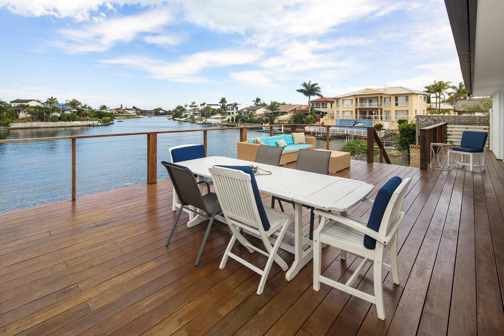 Portobello 8 Waters - Private Pool Luxury - Accommodation Mooloolaba