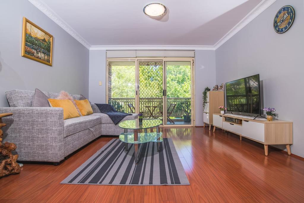 Rustic Hardwood 2 Bedroom Apartment in Randwick - Accommodation Mooloolaba