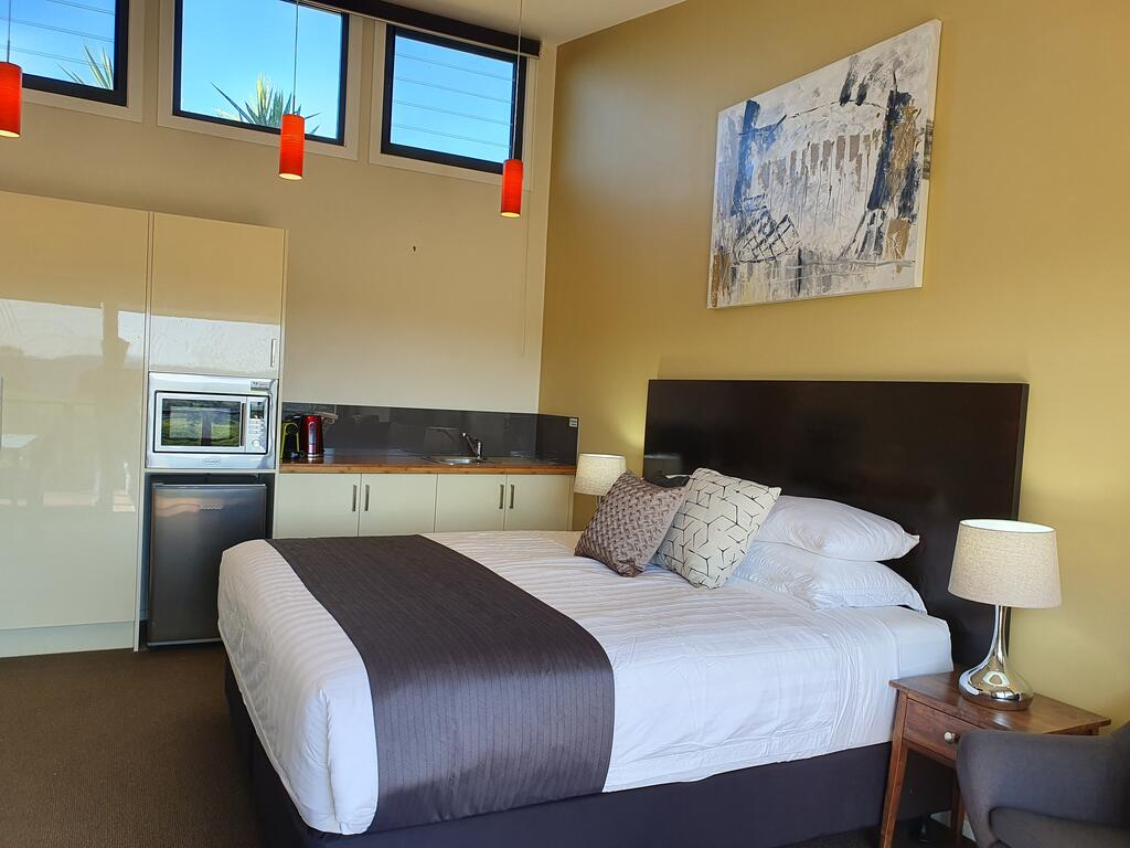 Sanctuary Hill Retreat - Accommodation Mooloolaba