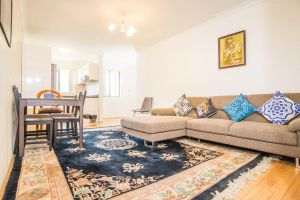 Spacious  Cozy APTHeart of Redfern Closes to CBD - Accommodation Mooloolaba