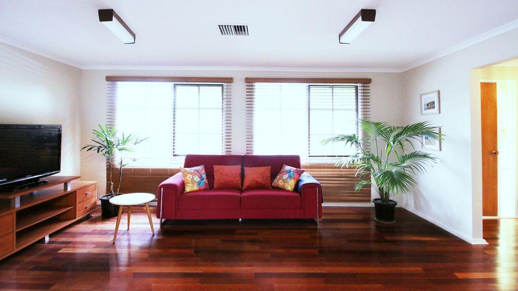 Spacious and cozy home next to Glen Waverley - Accommodation Mooloolaba
