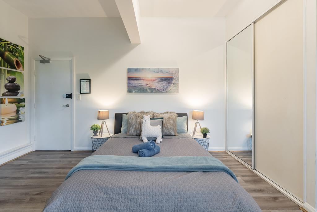 Spacious Studio 2mins to StationShopping Sleeps4 B - Accommodation Mooloolaba