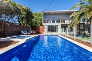 Front Beach House - Accommodation Mooloolaba