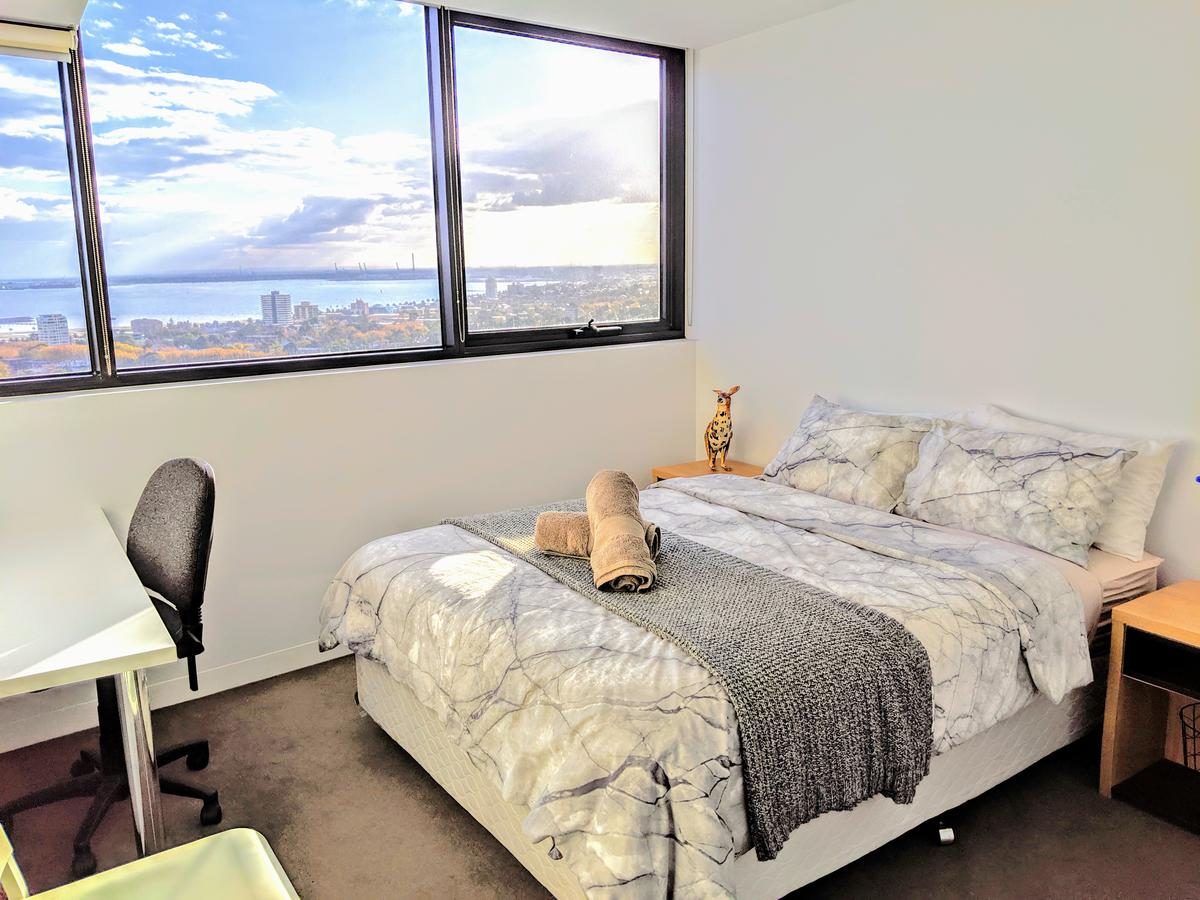 Homestay Ocean View with Gym Sauna - Accommodation Mooloolaba