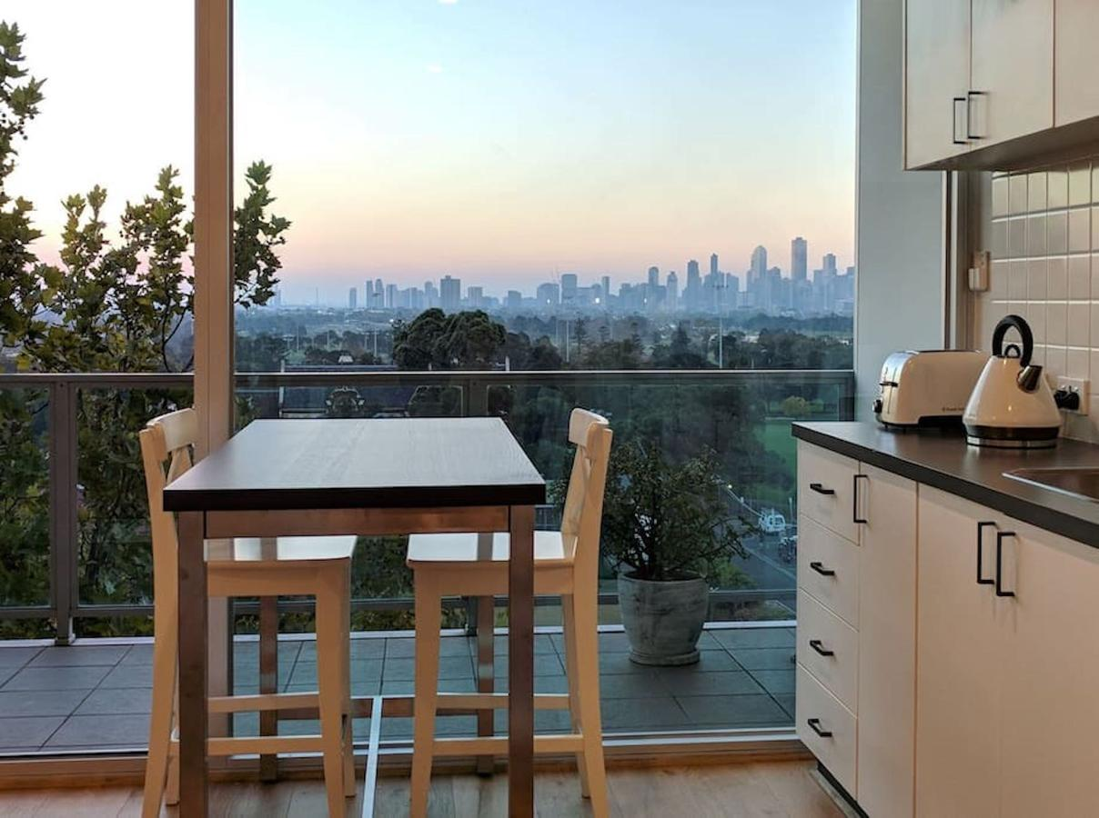 Best View St Kilda 1 BR - Spectacular Sunset Hideaway - Accommodation Mooloolaba