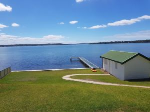 The Lake Escape - Accommodation Mooloolaba
