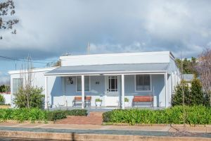 The Rested Guest 3 Bedroom Cottage West Wyalong - Accommodation Mooloolaba