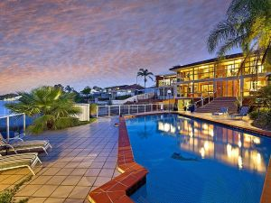 Toukley Waterfront House - Accommodation Mooloolaba