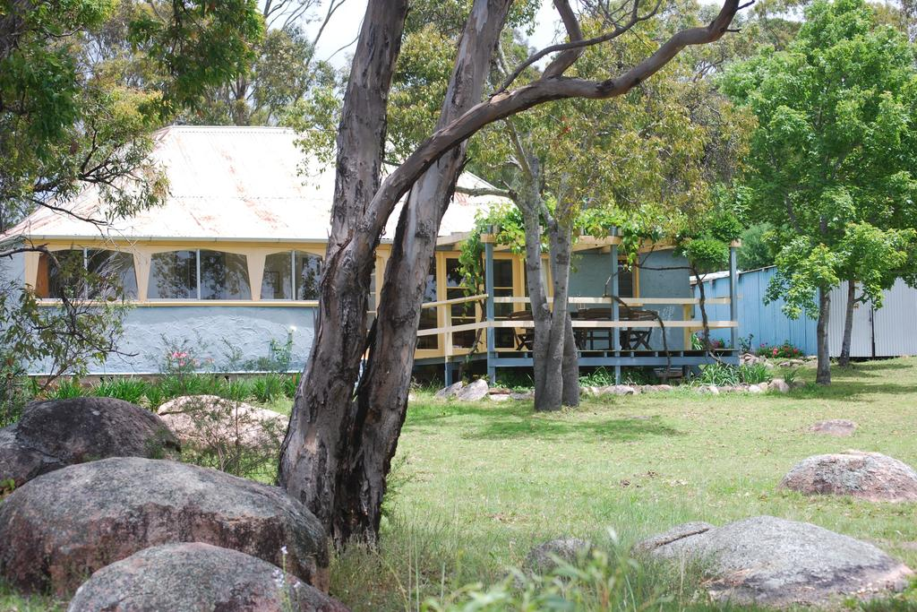 Twisted Gum Vineyard Cottage - Accommodation Mooloolaba